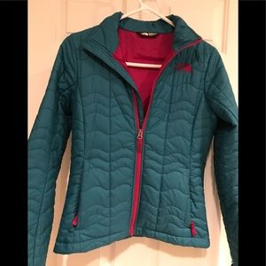 Northface jacket. Women's XS. Slightly fitted.